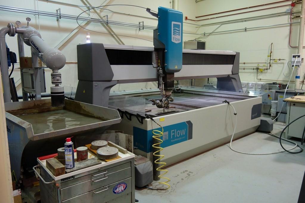 Flow-Mach-4-3020C-6-x-10-CNC-Water-Jet-Cutting-System
